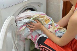 洗濯物の臭いの取り方はお湯や重曹、お酢などで解決!原因や予防方法もご紹介!