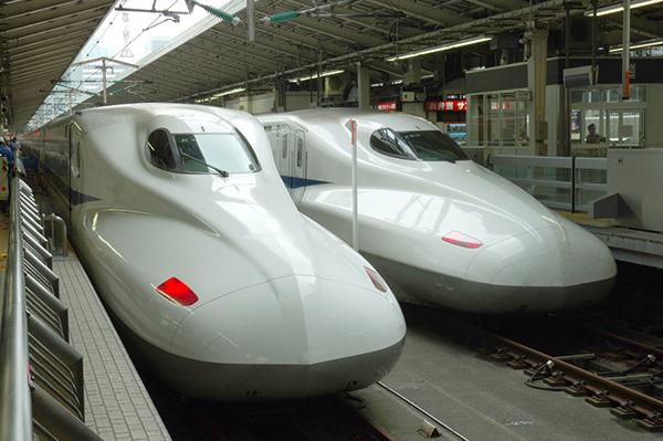 新幹線のぞみの自由席は何号車で席数は?確実に座るコツはこの7つ!