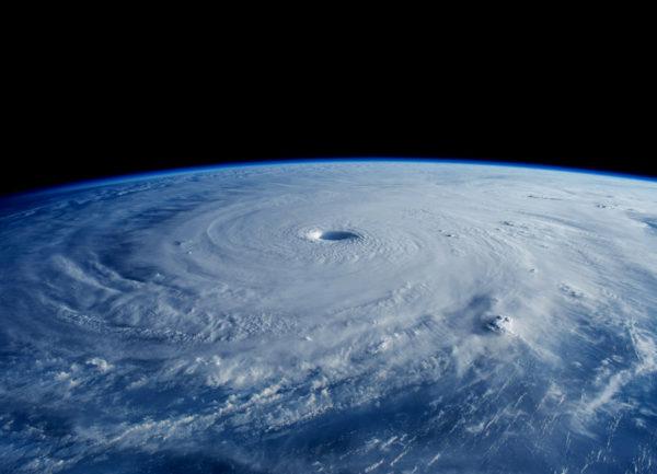 台風7号2016 最新進路!米軍、気象庁比較