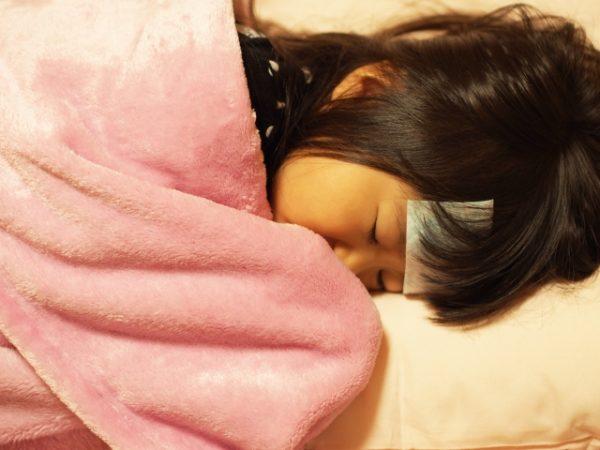 インフルエンザ2017 子供の症状、咳、熱や嘔吐が出たときの対処は?