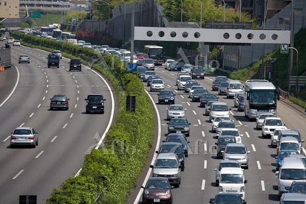 渋滞と事故の関係 原因や事故率、対策について